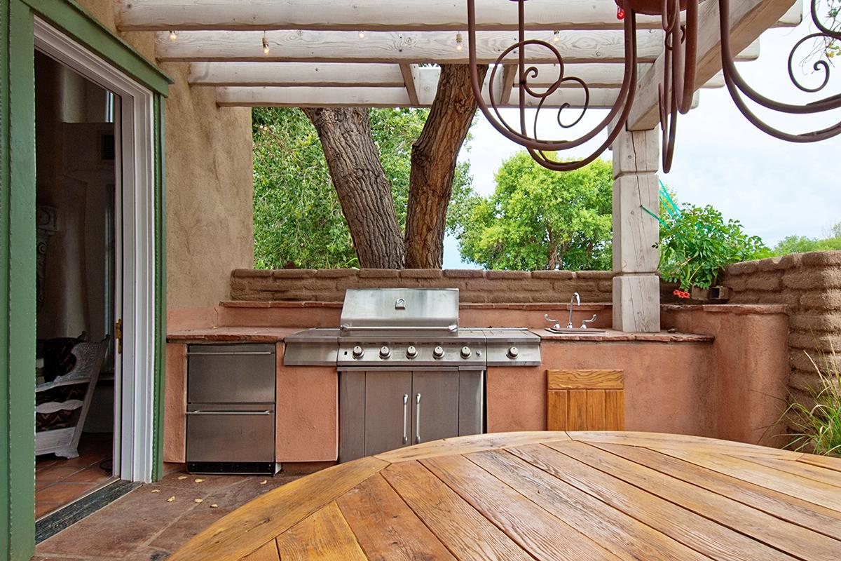 Design an Outdoor Kitchen with Madsen
